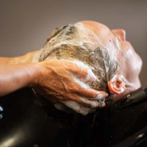 Massage door Haarstudio Sindy tijdens het wassen